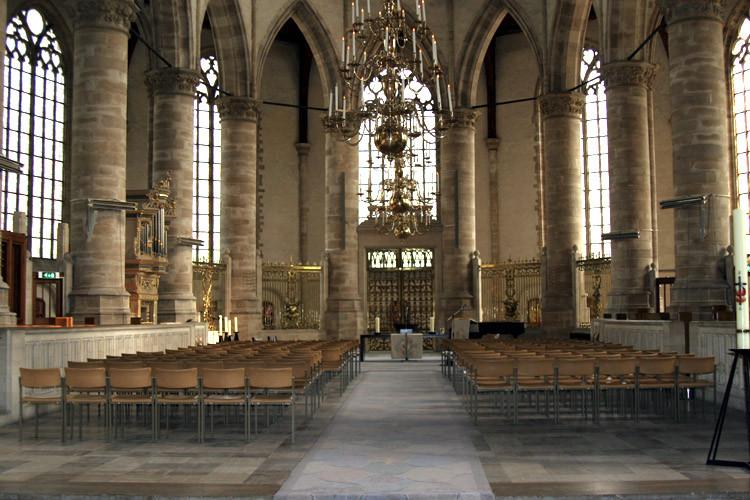 Het interieur van de Laurenskerk